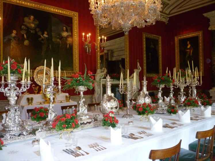chatsworth-house-dining-room-by-whiteghost-dot-ink